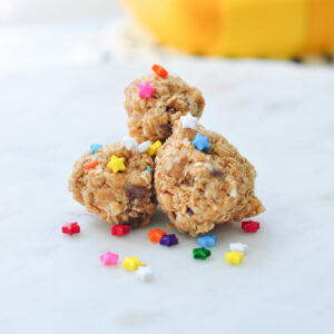 Chocolate Peanut Butter Oatmeal Energy Bites